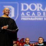 Dan grado honorífico a Pitbull por contribuir con la educación