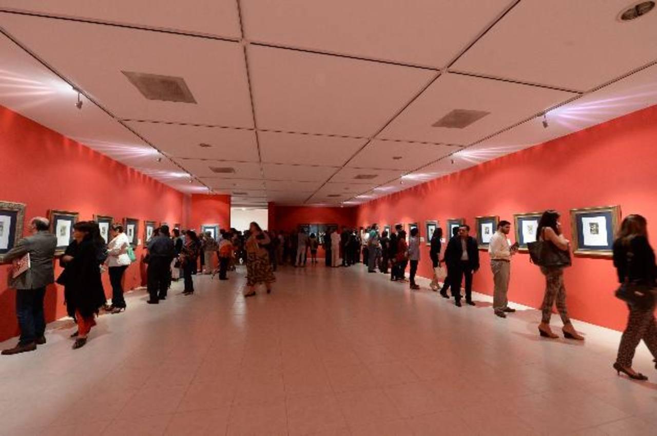 Académicos, amantes del arte y cuerpo diplomático admiraron la muestra en el Marte. fotos EDH/ Marvin Recinos
