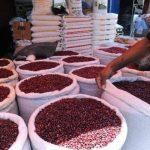 Ministro de Agricultura insiste en que no hay escasez de frijol