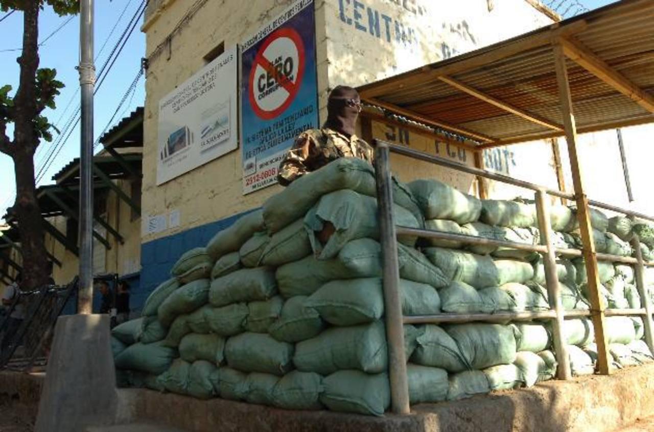 Una mujer detenida por intentar meter cocaína y Viagra al penal de Gotera