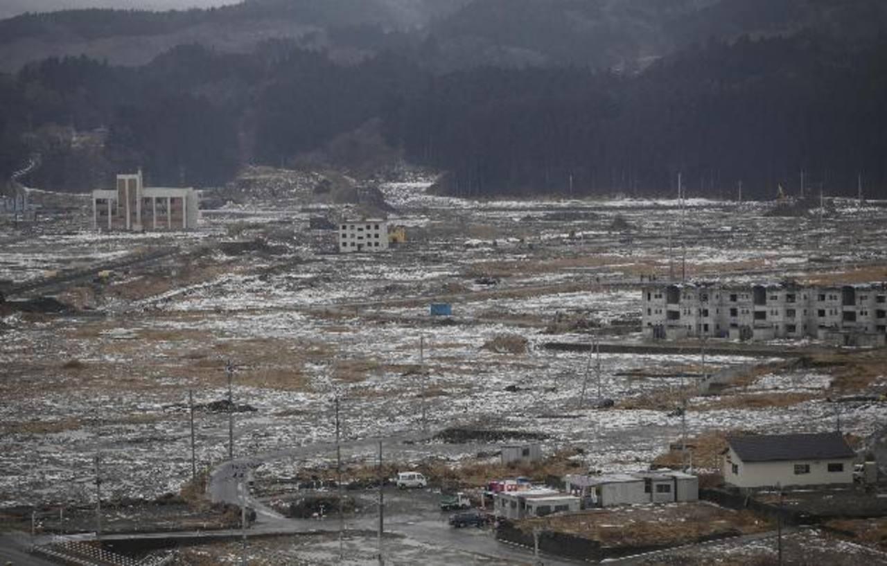 La nieve cae sobre el pueblo de Minamisanriku, en Japón. La reaseguradora Munich Re dijo que las nevadas en Japón ha causado este año daños cubiertos por primas de seguros por $2,500 millones.