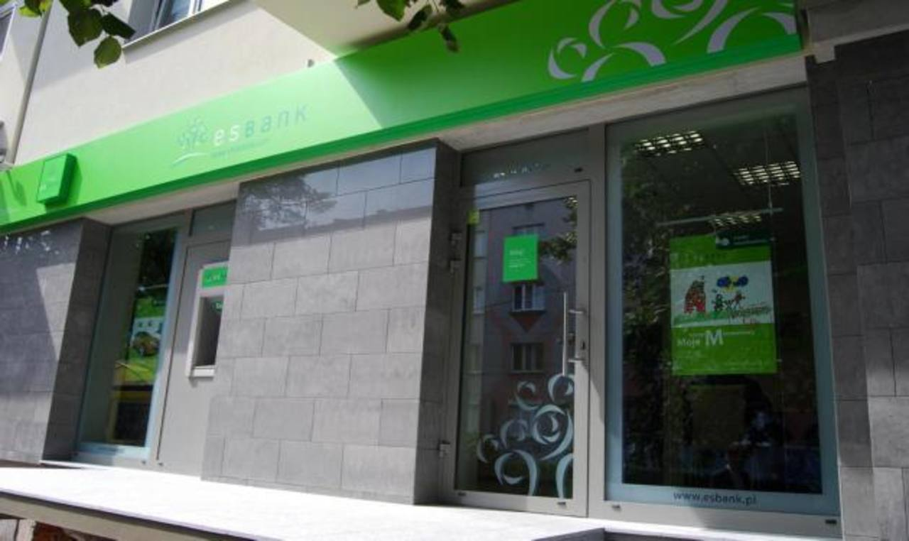 El Es Bank opera en Panamá como un banco con licencia internacional otorgada desde el año 2001, con un capital de 30 millones de dólares.