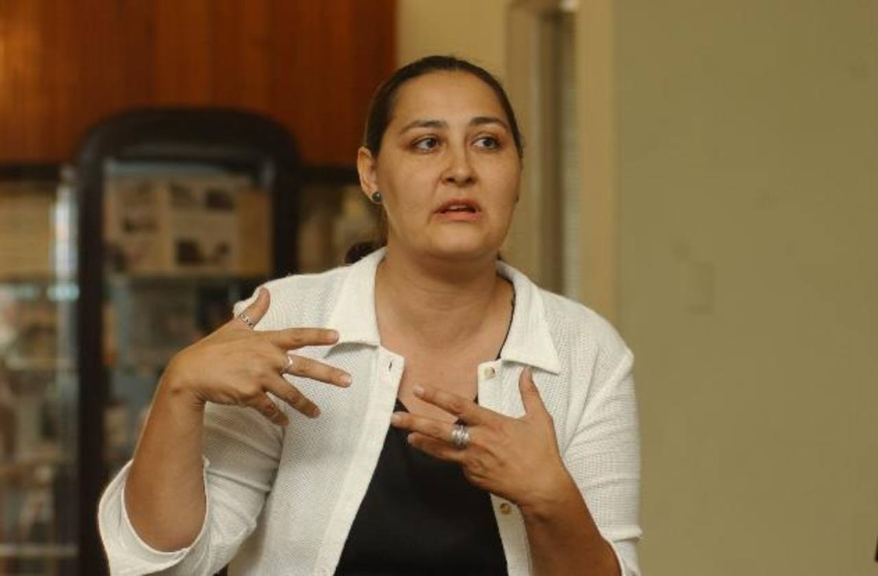 La profesional se encuentra trabajando para echar a andar varios proyectos para los próximos cinco años, su objetivo es revalorizar el arte salvadoreño en todas las áreas. Foto EDH