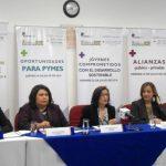 Elena de Alfaro (al centro) habló sobre las temáticas que se desarrollarán en la 2a. semana dedicada a la RSE. foto edh / Cortesía
