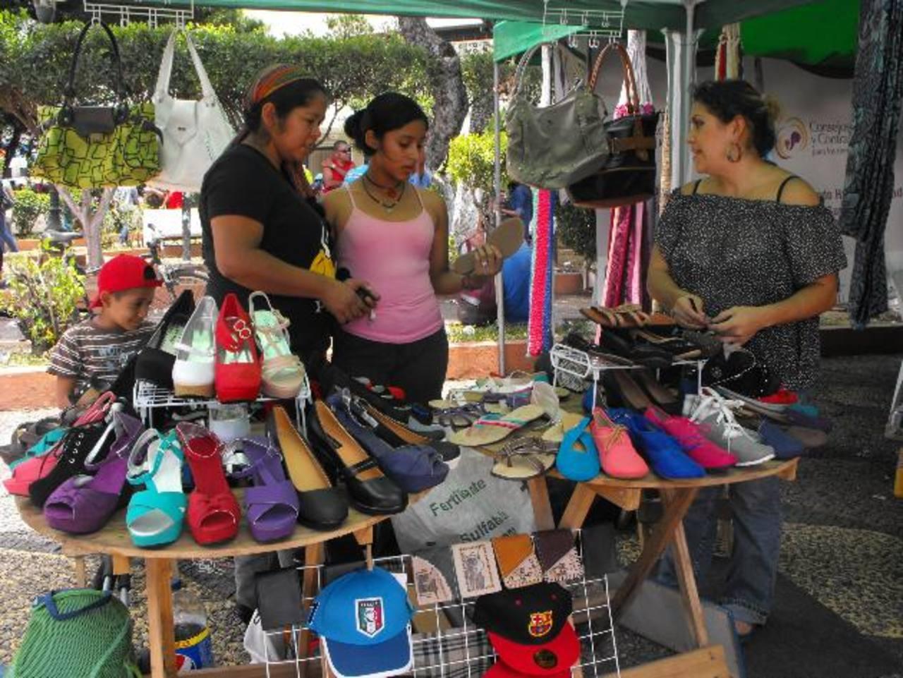 Uno de los objetivos del evento era que las mujeres dieran a conocer sus productos. Foto EDH /MAURICIO GUEVARA