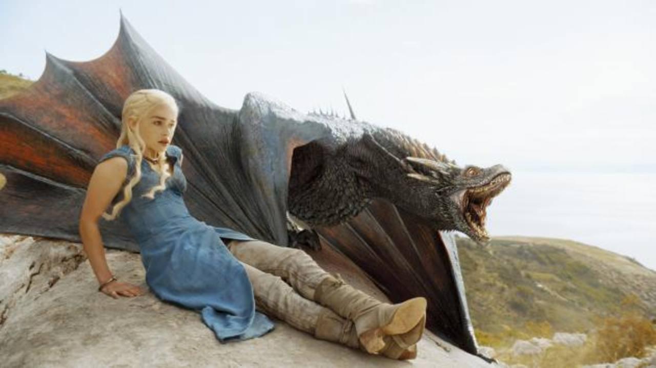 Game of Thrones aspira a hacerse con el gran botín en la 66 edición de los premios Emmy.