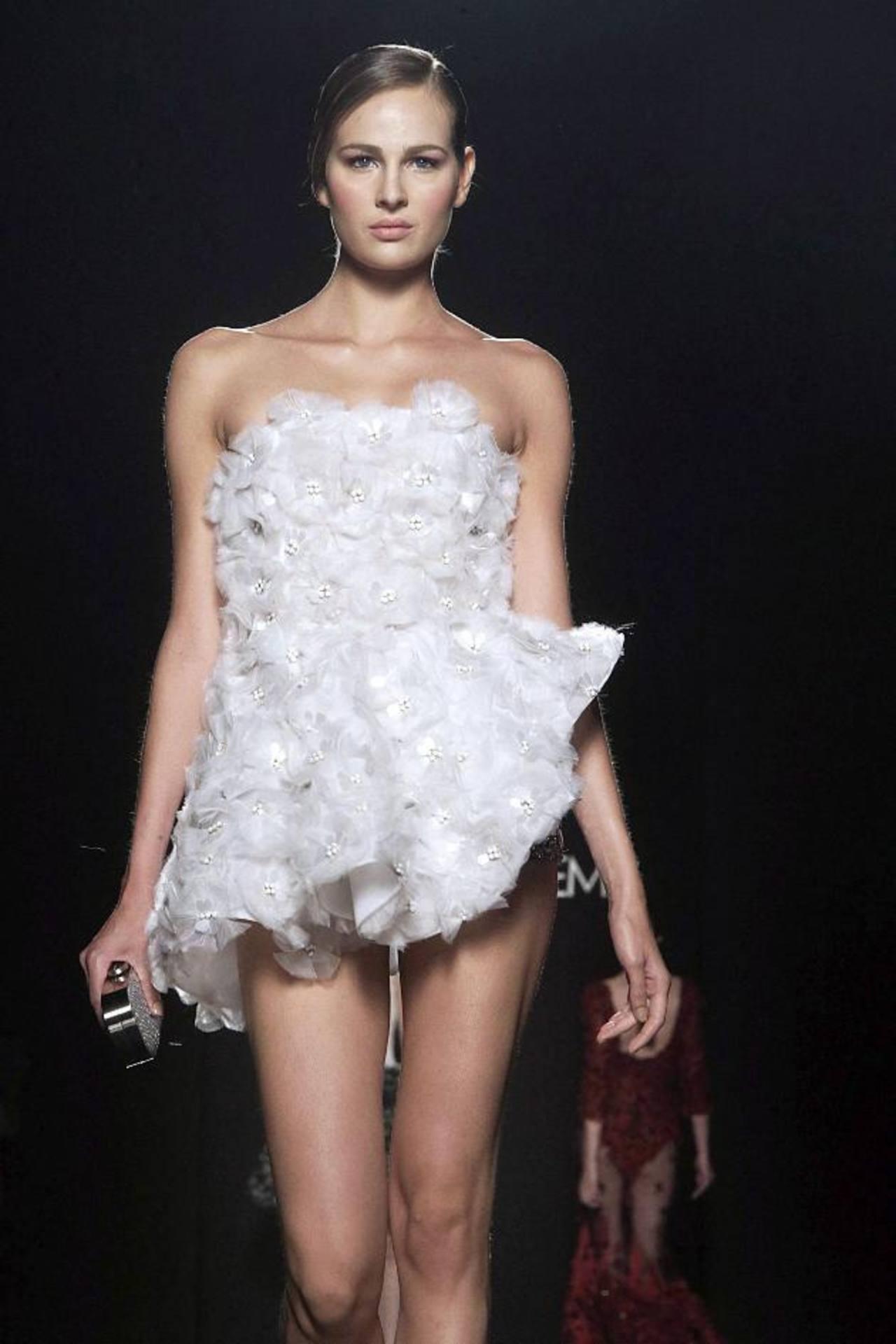 Creación del libanés Rani Zakhem, que optó por los vestidos de noche.