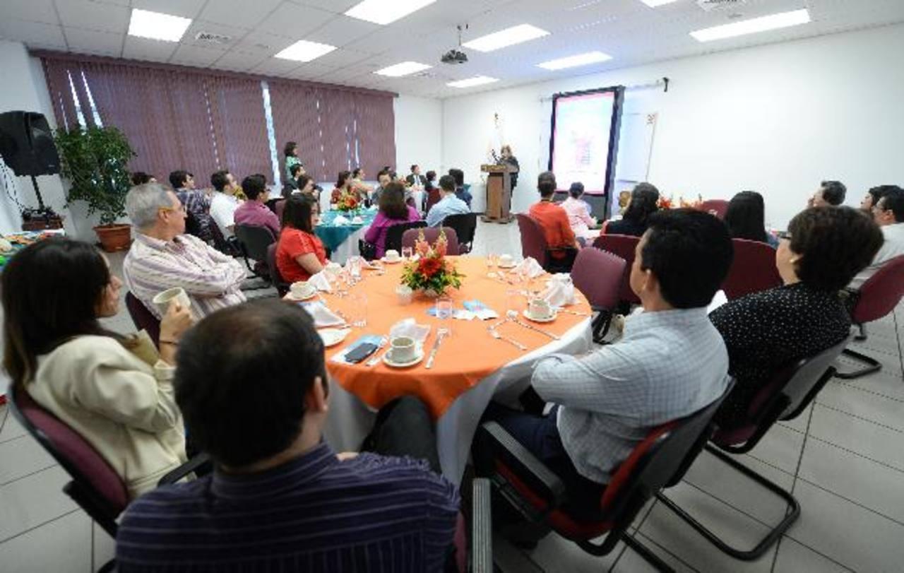 Durante el lanzamiento, la directora ejecutiva de Fepade agradeció a las empresas y salvadoreños que año con año han creído en este esfuerzo que ha beneficiado a miles de niños a nivel nacional. foto edh / Marlon Hernández