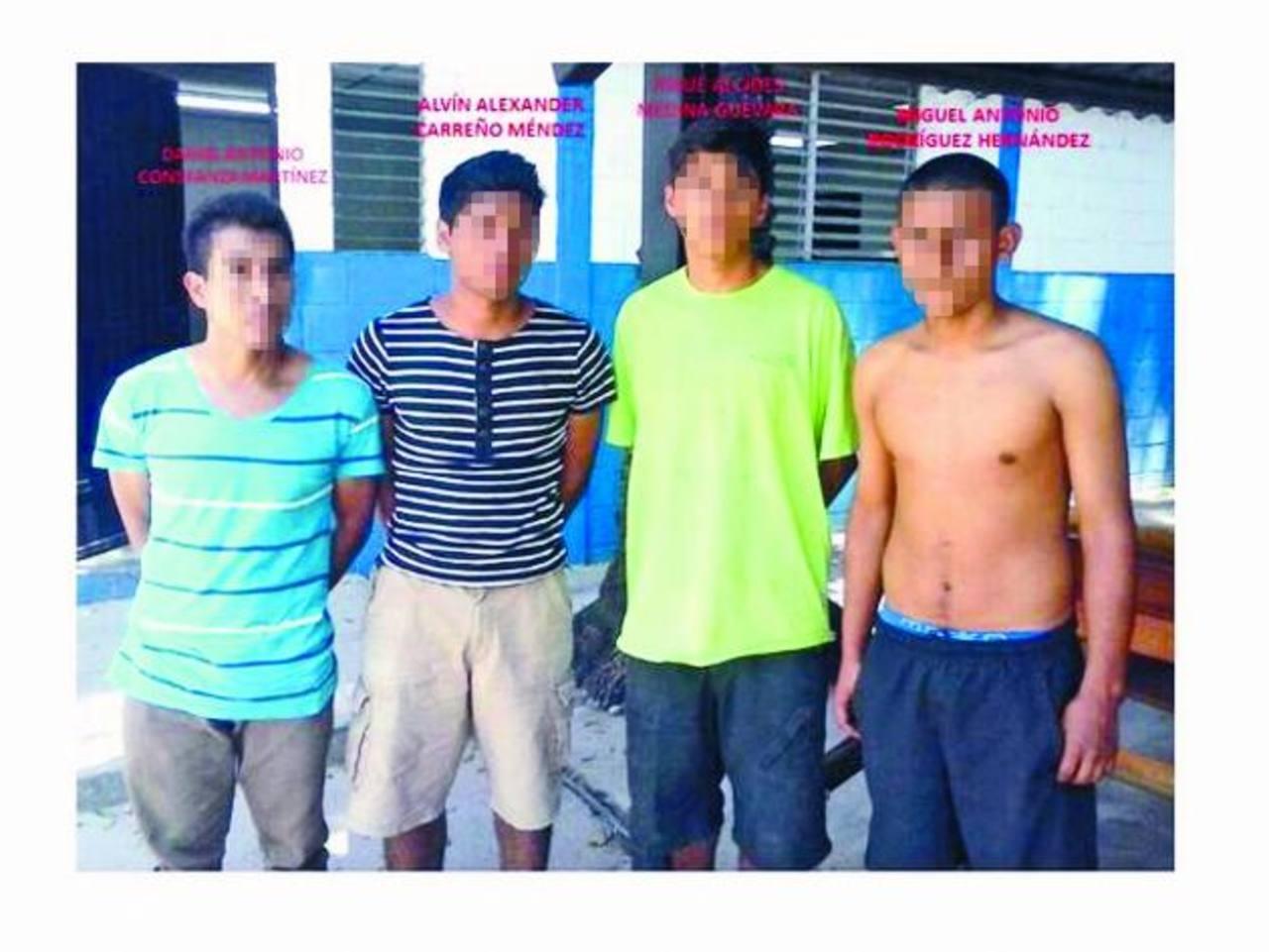 Los cuatro detenidos, supuestos pandilleros de la 18, serán acusados en las próximas horas en un juzgado de Paz.