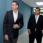 Juez absuelve a Ernesto Muyshondt tras ser acusado de difamación por expresidente Funes