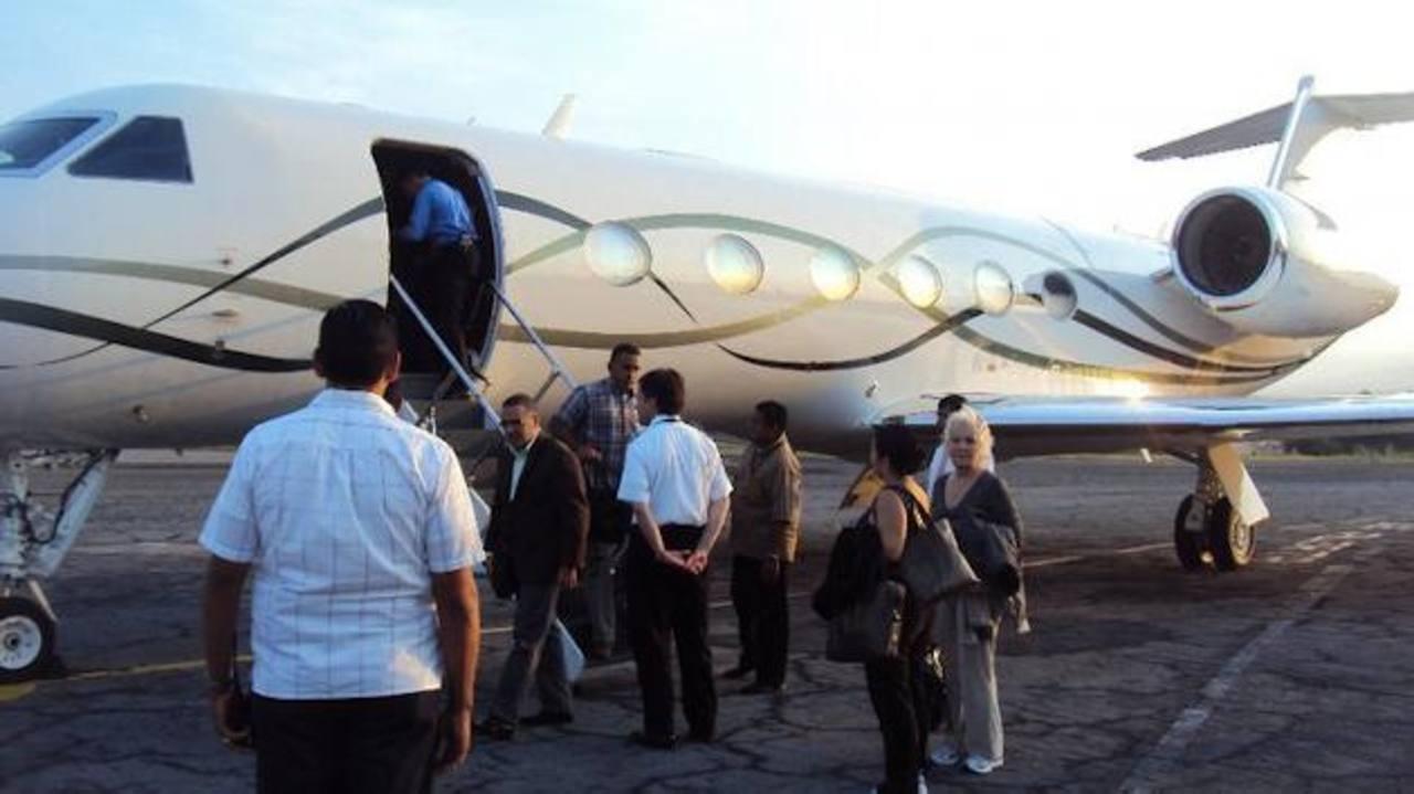 Según una publicación de elfaro.net, Funes realizó al menos 65 viajes entre oficiales y privados. foto EDH / archivoLos cuatro rubros, por los cuales pidió información la Funde-Alac, están en el índice de información reservada de la Presidencia y la