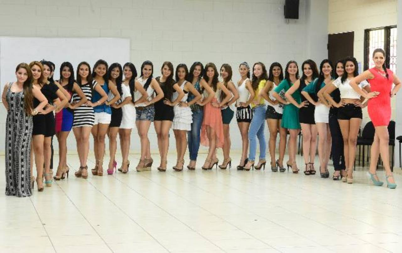 En la capital, 24 señoritas que repesentan a diferentes distritos y dependencias de la comuna participarán por convertirse en la soberana de los festejos patronales. FOTOs EDH / Ericka Chávez