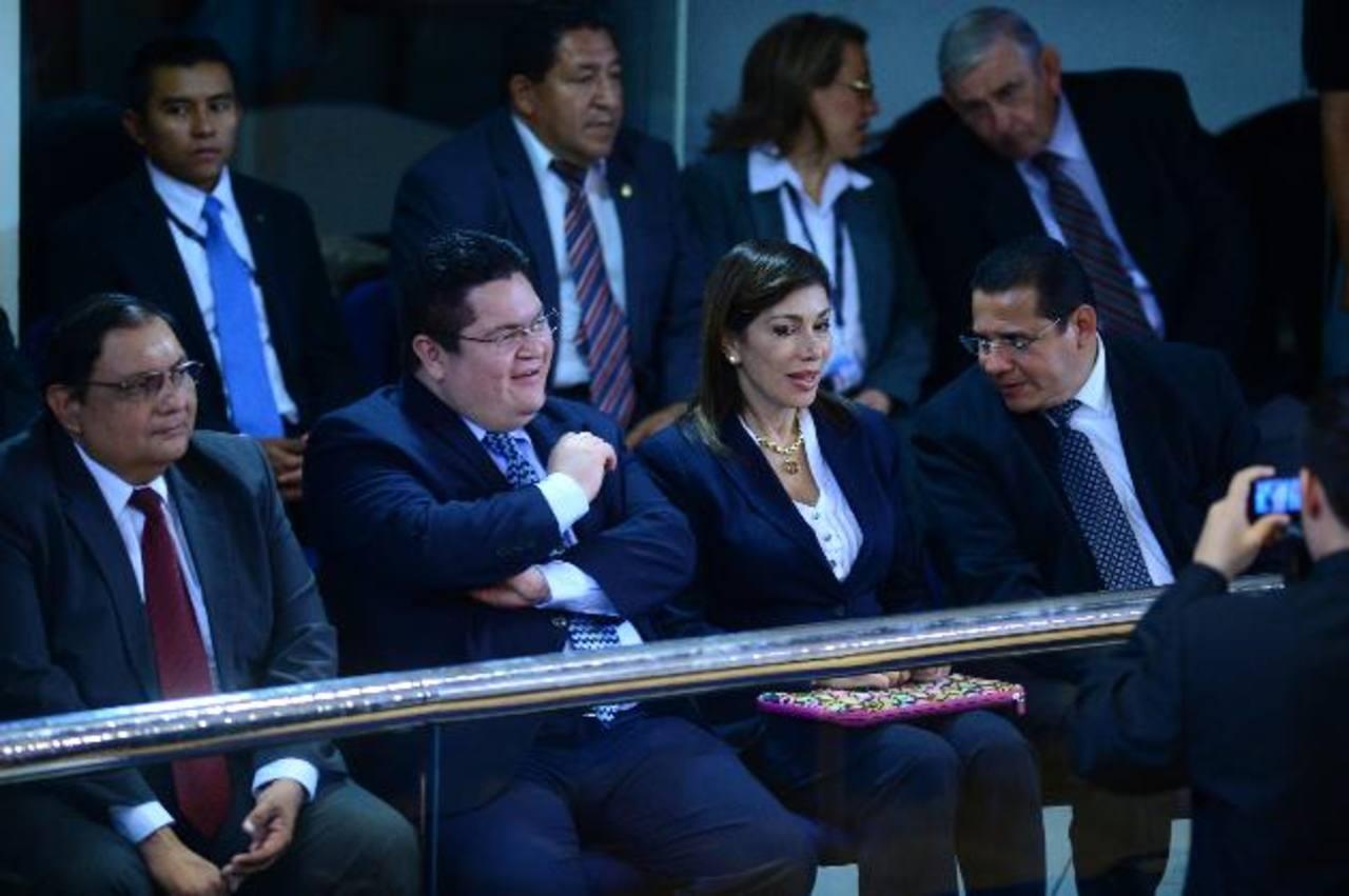 La diputada Ana Vilma de Escobar llegó al Parlamento este día