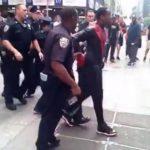 Un Hombre Araña es detenido en Times Square tras enfrentarse a un policía