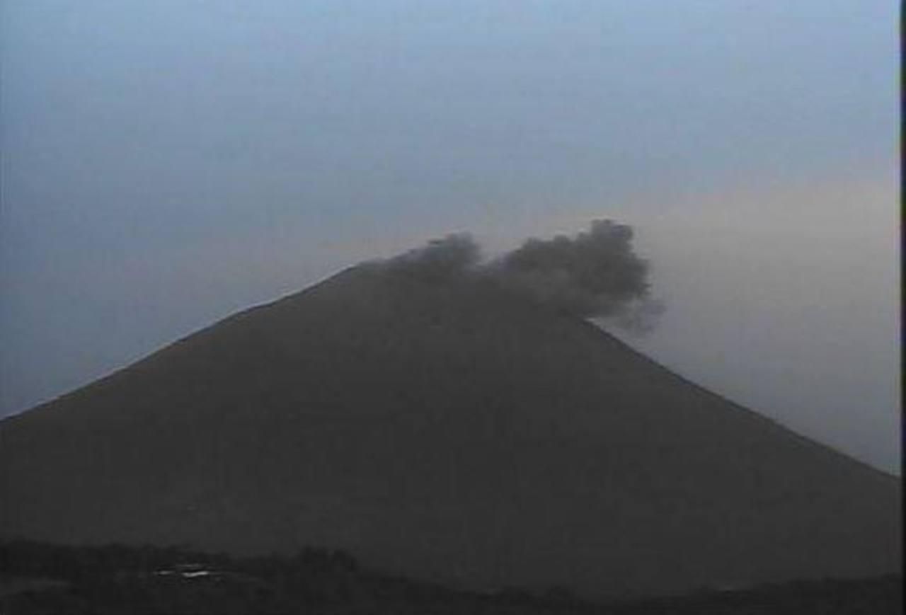 Volcán Chaparrastique registró otra expulsión de gas y ceniza