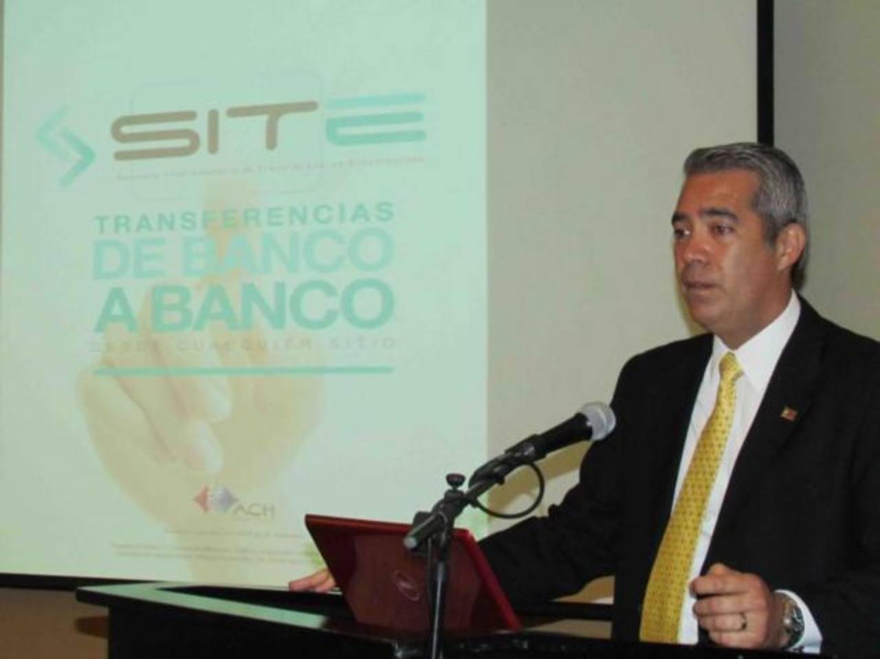 Roberto Monterrosa, gerente General de ACH, empresa que presenta crecimiento sostenido del 25 % mensual. Foto EDH/Cortesía