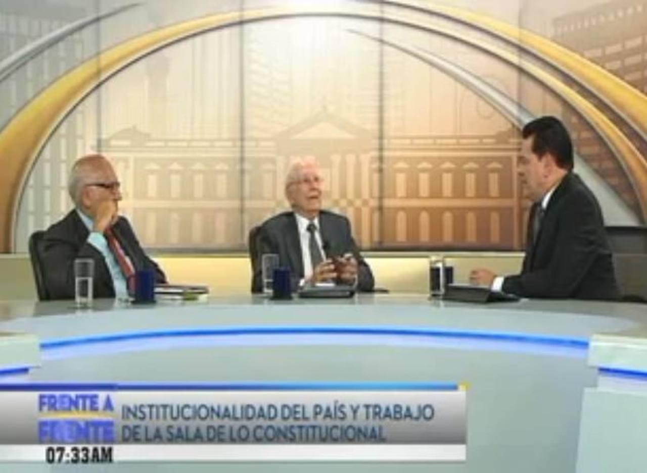 Abogados José Domingo Méndez y Enrique Borgo Bustamante durante entrevista Frente a Frente. foto edh / internet