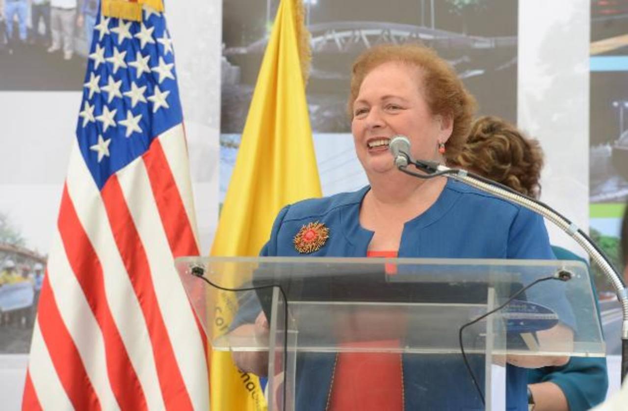 Embajadora de Estados Unidos, Mari Carmen Aponte. Foto EDH / mauricio cáceres