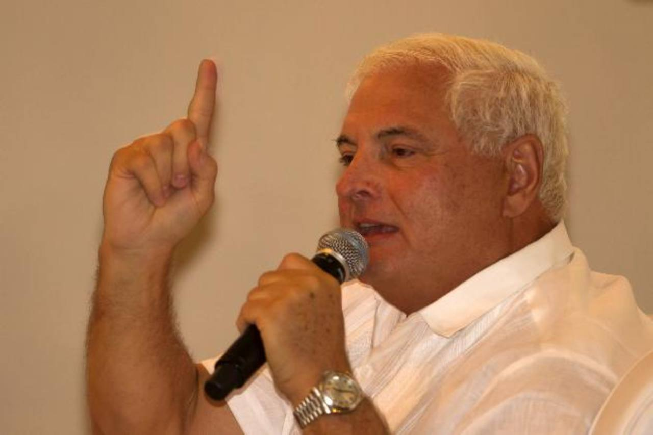 Expresidente Martinelli jura como diputado del Parlamento Centroamericano