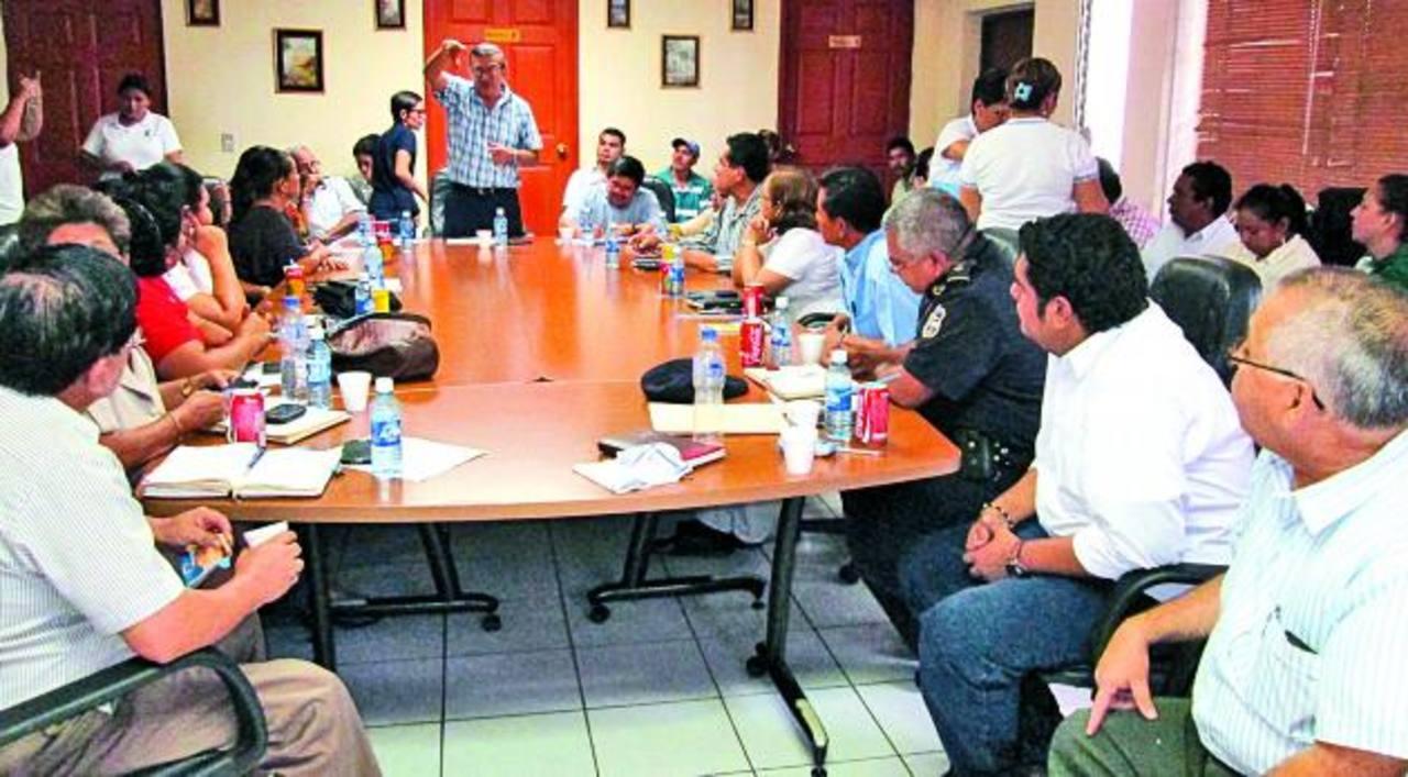 Alcalde de Sonsonate, Roberto Aquino, explica cómo ha logrado reinsertar a jóvenes y alejarlos de pandillas f