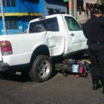 Un motociclista resultó lesionado en un accidente sobre la 11 calle oriente y 10a Avenida Norte, San Salvador.