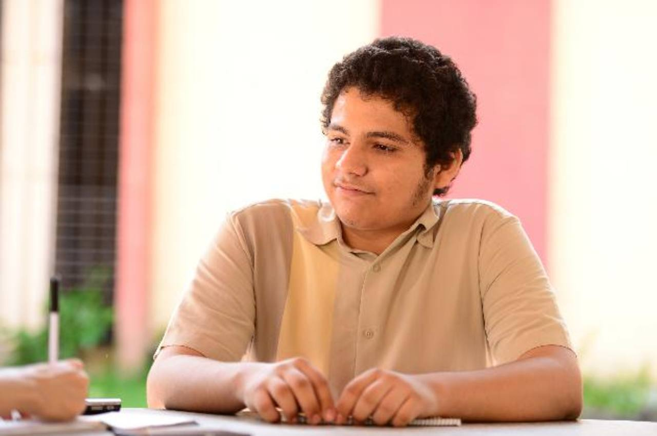 A los seis años aprendió a tocar el piano y formó parte de la Sinfónica Juvenil de El Salvador. Desde muy pequeño le llamó la atención la Electrónica y la Matemática foto EDH / Jorge Reyes