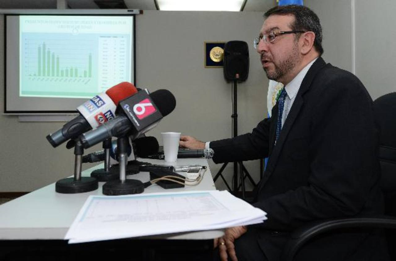 El director del Instituto de Medicina Legal, José Miguel Fortín Magaña, asegura debe hacerse un diagnóstico de la violencia, para luego darle su tratamiento. Foto EDH /archivo.