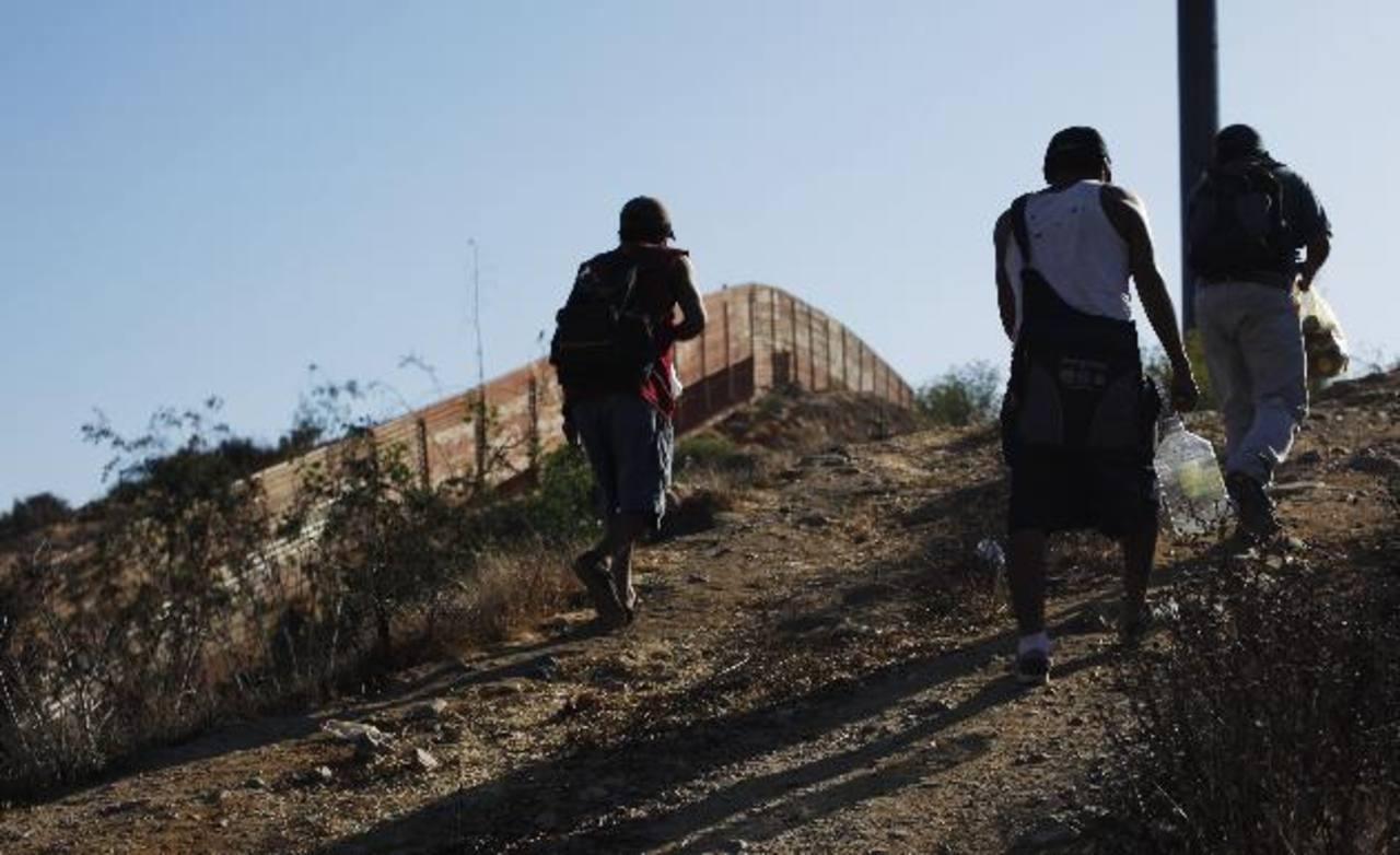 Presidente de Honduras culpa a guerra antidrogas de EE.UU. por crisis migratoria