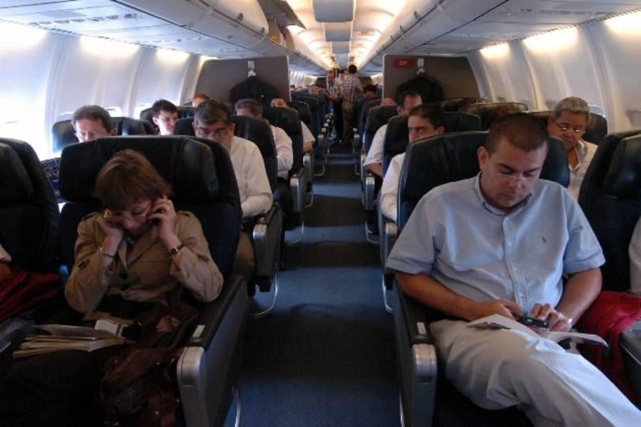 Las agencias de viajes son un intermediario entre aerolínea y cliente final. Foto EDH/archivo