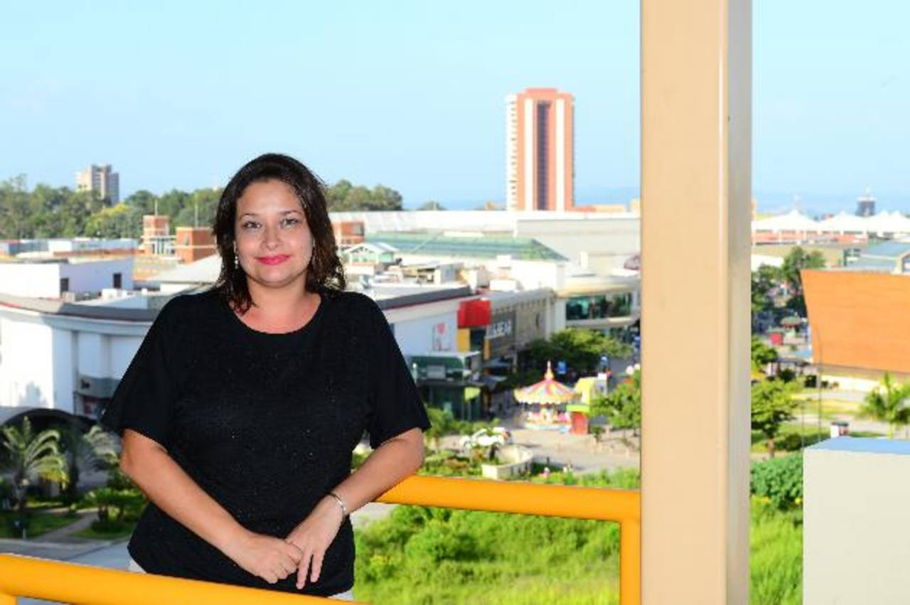 Claudia Meyer, escritora joven, acreedora del título Gran Maestre otorgado por Secultura (2011). Foto EDH/Omar CARBONERO