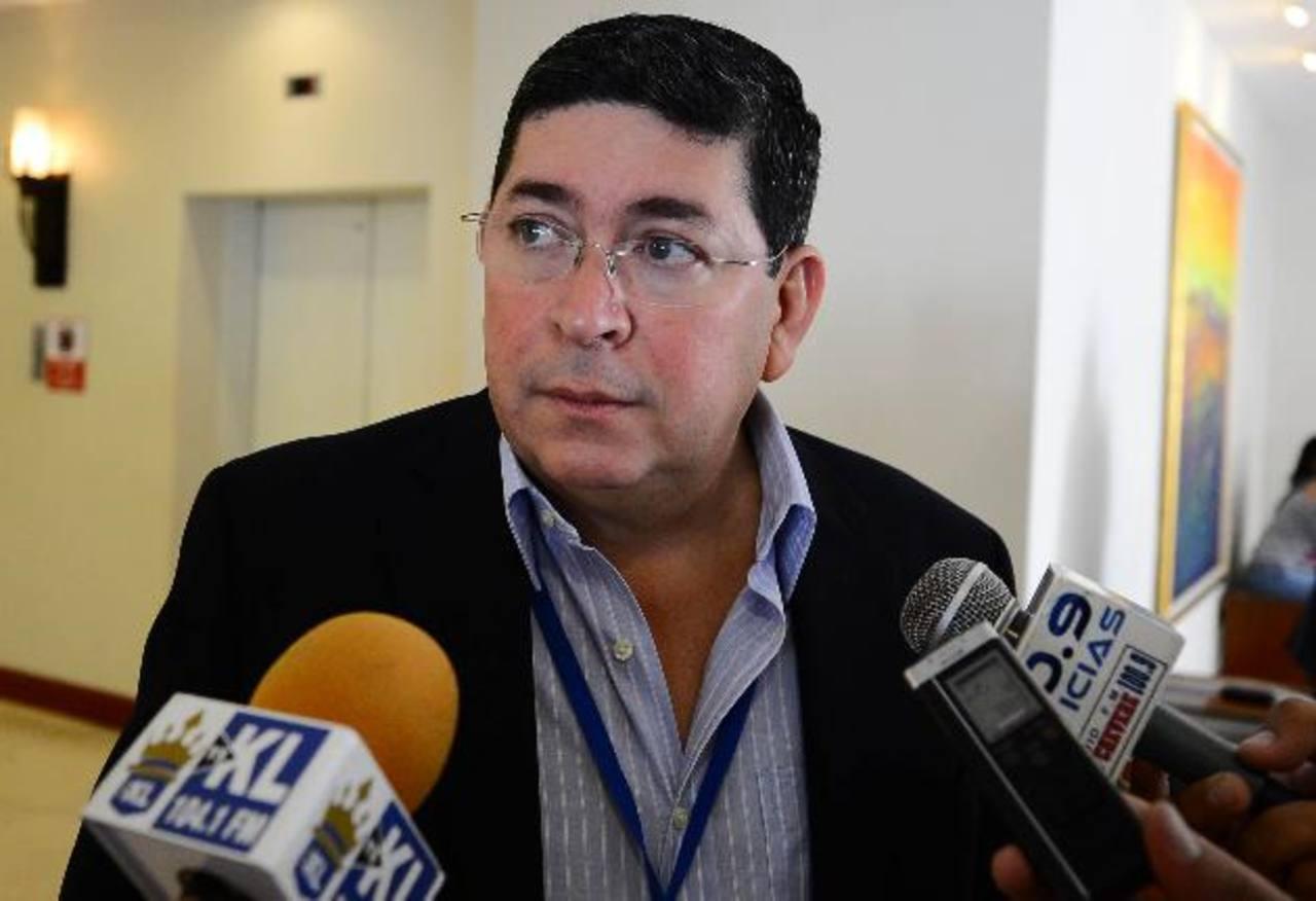 Walter Araujo busca regresar al escenario político.