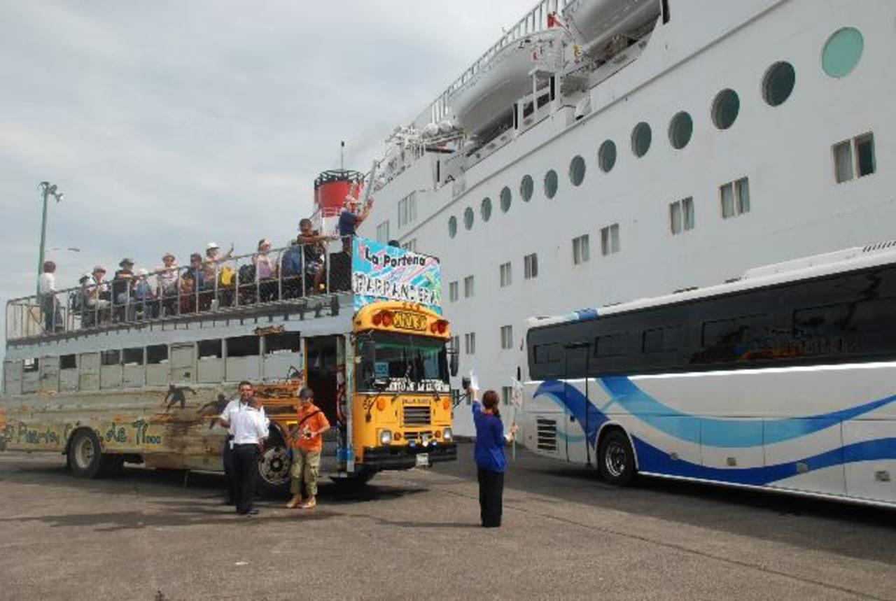 Unos doce cruceros han llegado al país en los últimos años.