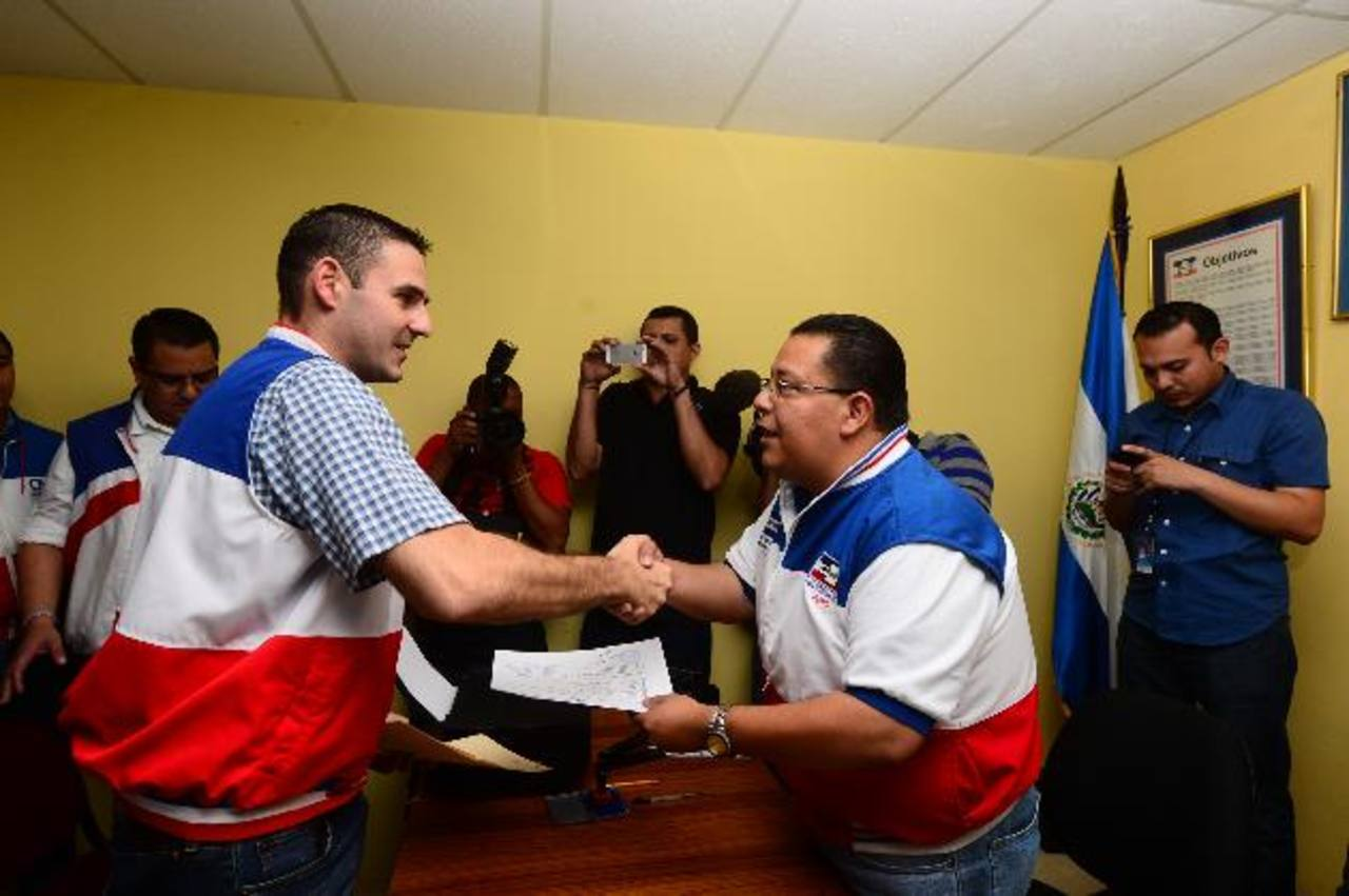 Hace dos semanas, ARENA realizó la inscripción de aspirantes a alcaldes y diputados a escala nacional para la elección 2015.