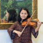 Gabriela Henríquez, violinista salvadoreña.
