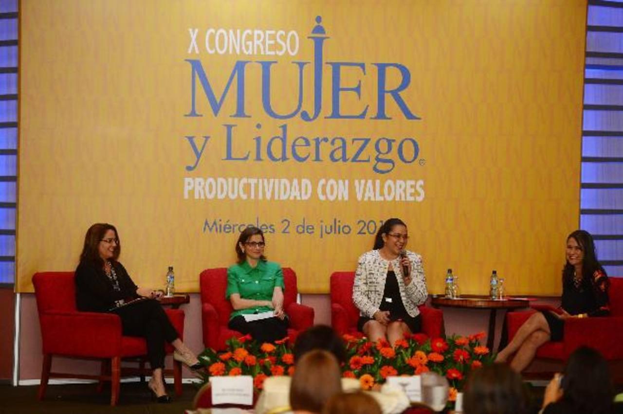 El congreso buscaba impulsar el desarrollo de las empresarias y profesionales salvadoreñas. Foto EDH /René qUINTANILLA