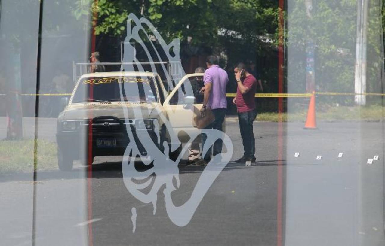 Una persona que se dedicaba a transportar personas fue asesinada ayer en San Juan Talpa, La Paz. Foto EDH / DOUGLAS URQUILLA