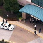 Un muerto y 2 heridos en tiroteo en hospital a las afueras de Filadelfia, Estados Unidos