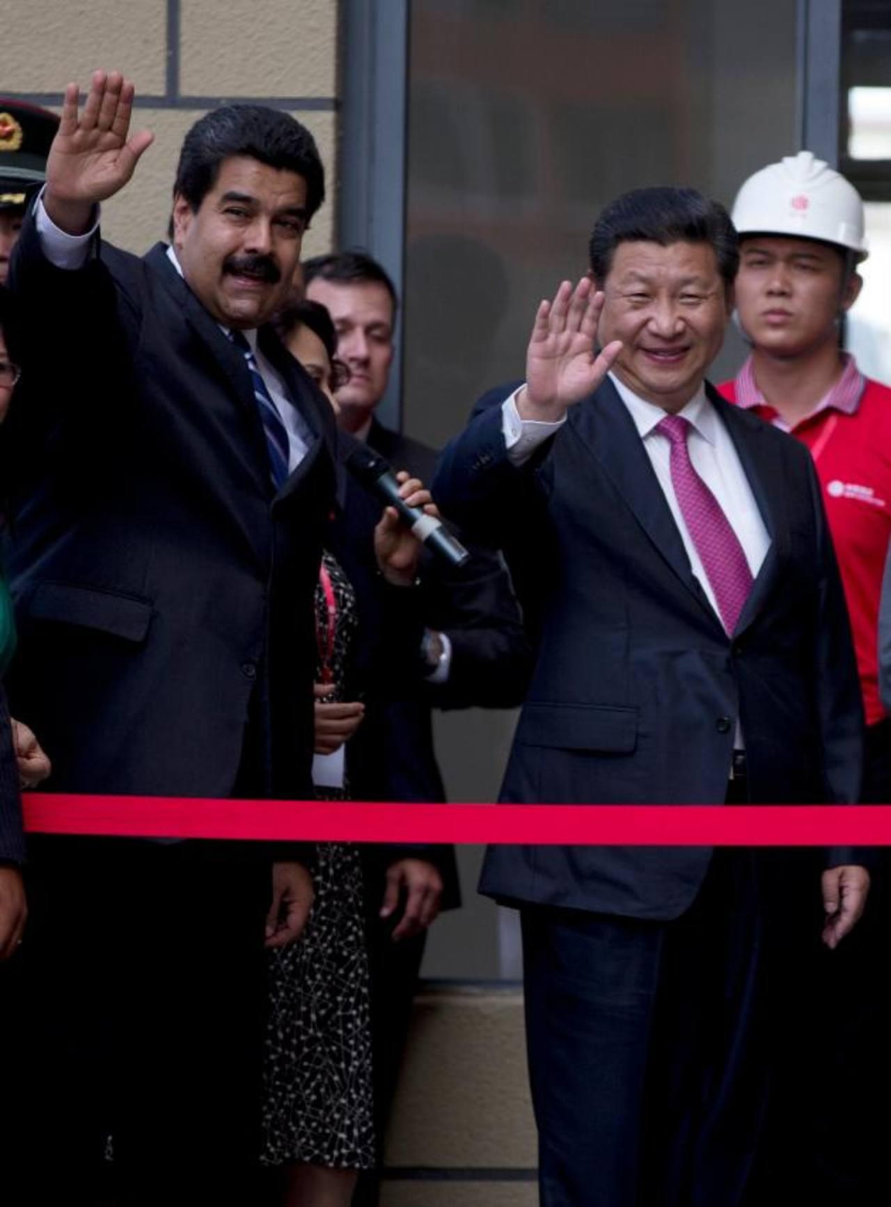 Nicolás Maduro y Xi Jinping acordaron intensificar el sector industrial, alimentario y energético, entre otros. Foto EDH /ap