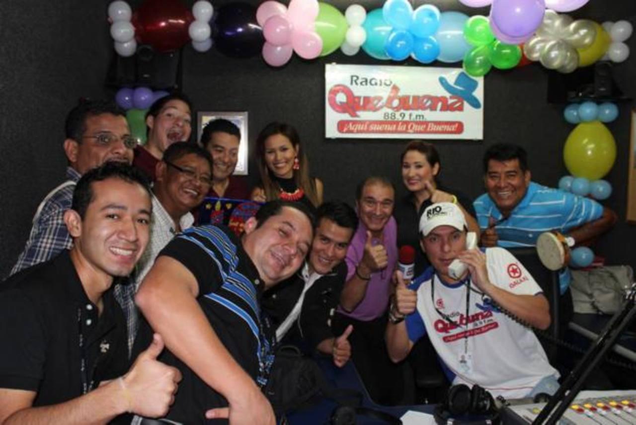 El staff de la radio Que Buena festejó a lo grande.