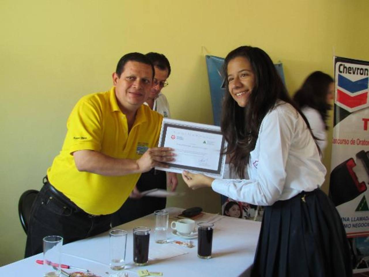 Los jóvenes que participaron eran de tres centros escolares del occidente del país. Foto EDH / Mauricio Guevara