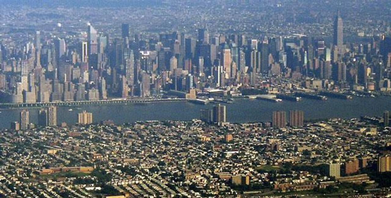 El área urbana de Nueva York-Newark, que era la tercera más grande del mundo en 1990, cayó al noveno lugar. foto EDH