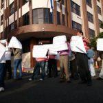 Comunidades de Santa Ana protestan ante Corte de Cuentas por relleno sanitario