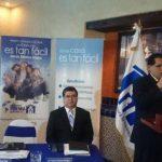 El presidente del FSV, Tomás Chévez, durante la presentación del nuevo número telefónico para los salvadoreños en el exterior.