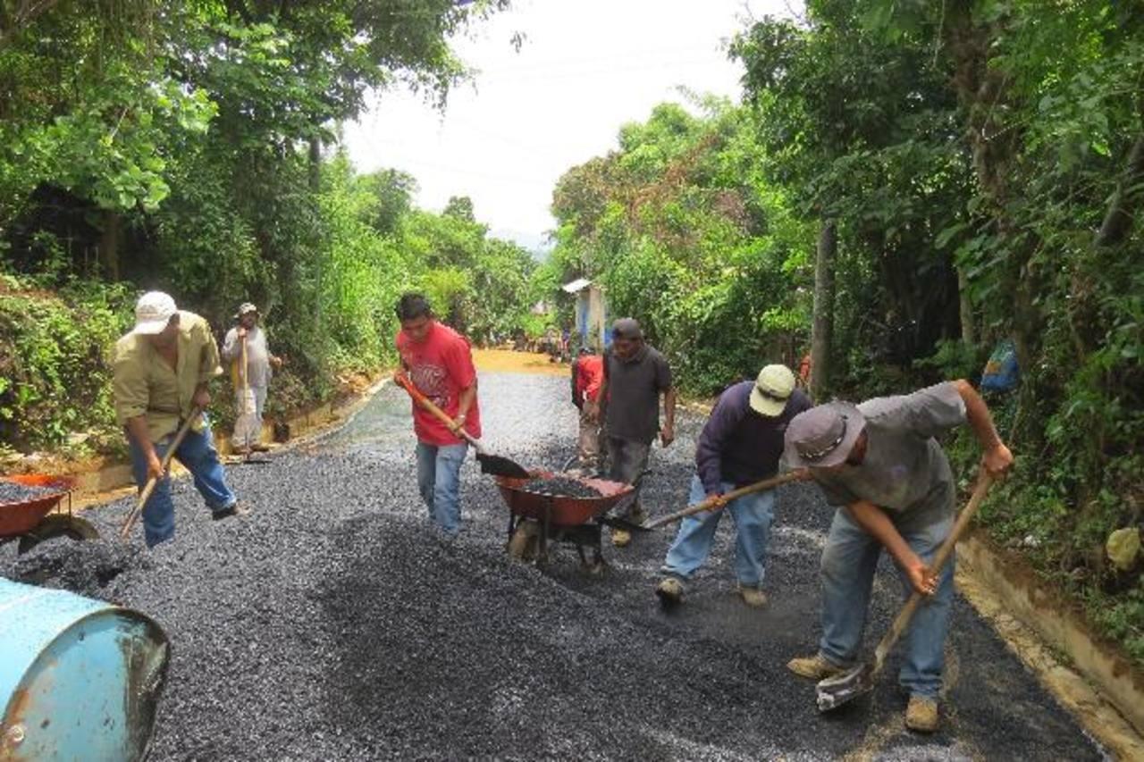 Obra favorece a residentes en colonias Los Claveles y Santa Lucía, así como cantón Chancuyo. foto EDH / Roberto Zambrano
