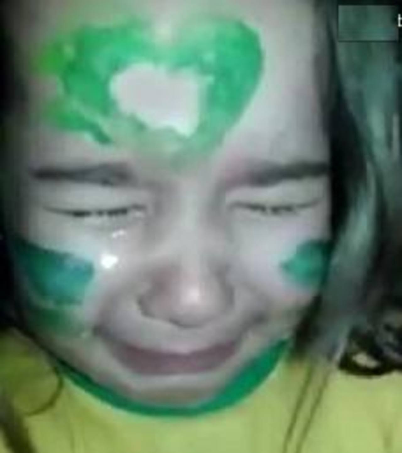 Una niña llora la lesión que dejó fuera a Neymar del Mundial 2014
