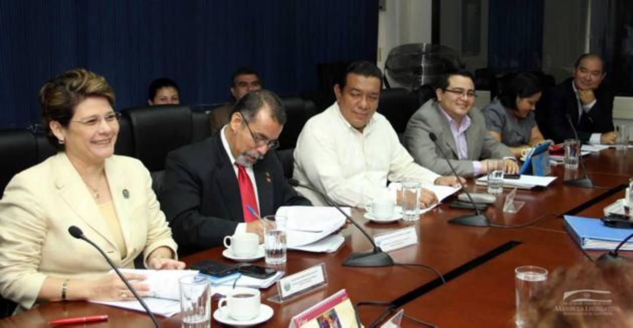 La Comisión de Reformas Electorales acordó incluir fotos en papeletas del Parlacen. foto edh / CORTESÍA ASAMBLEA LEGISLATIVA