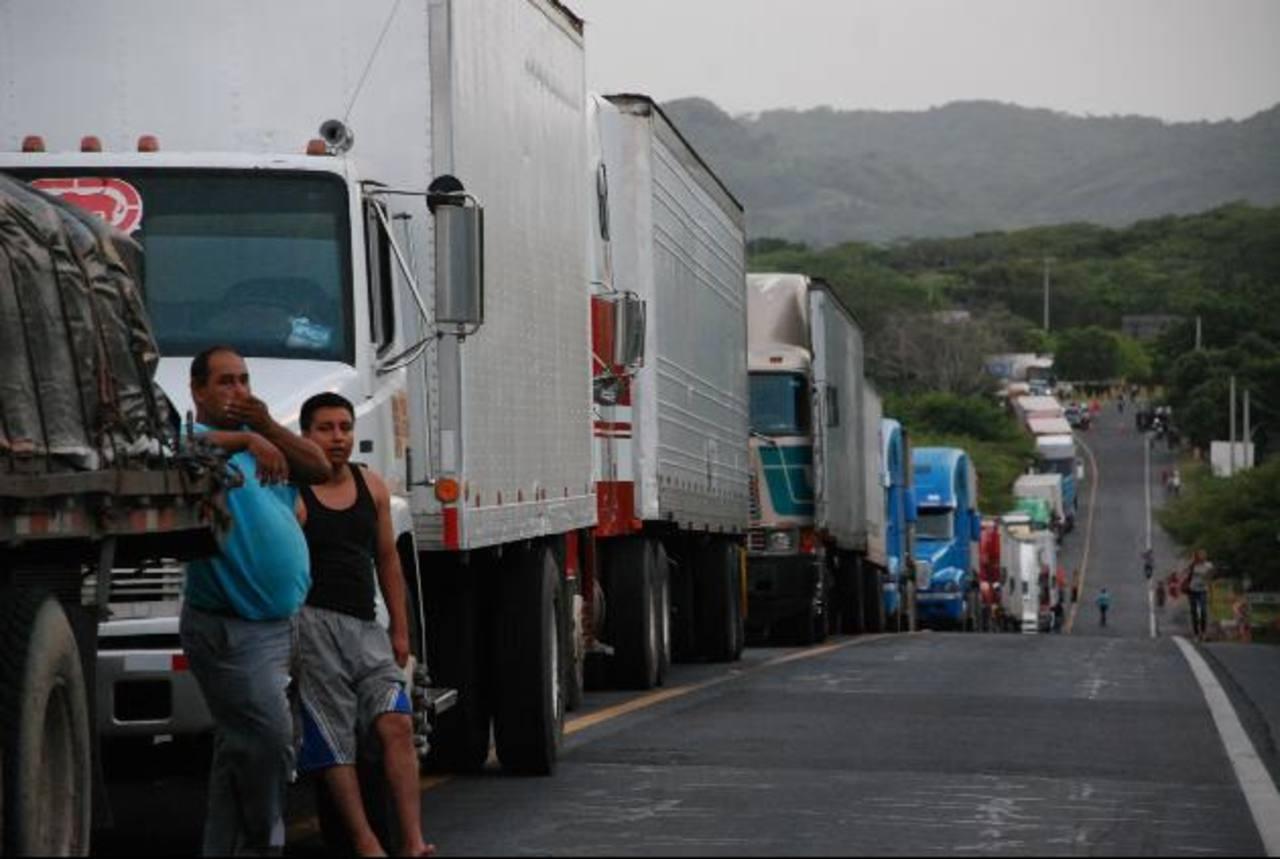 El colapso del sistema se dio en enero, con un paro de transportistas de carga. Foto EDH /Archivo