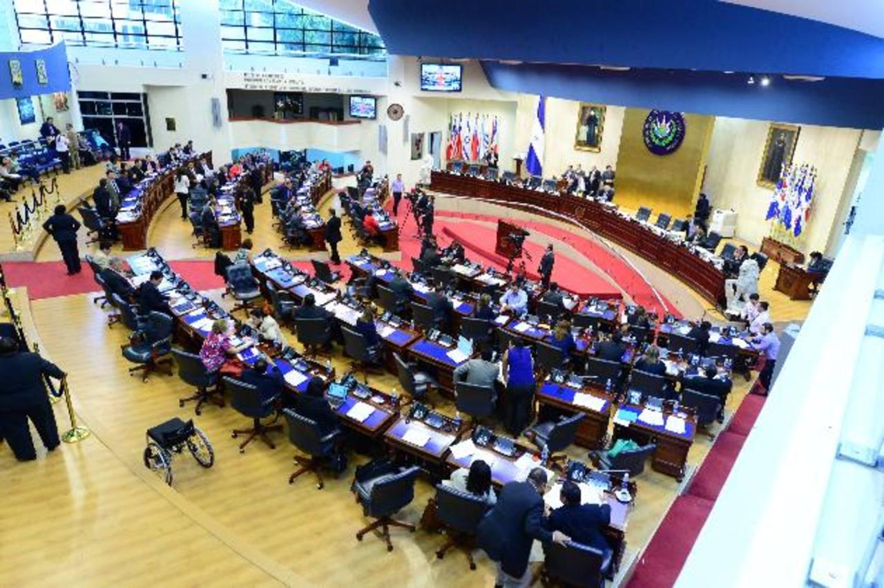 La enmienda al Código Procesal Penal fue discutida por los diputados ayer en la sesión plenaria. Foto EDH / Jorge reyes