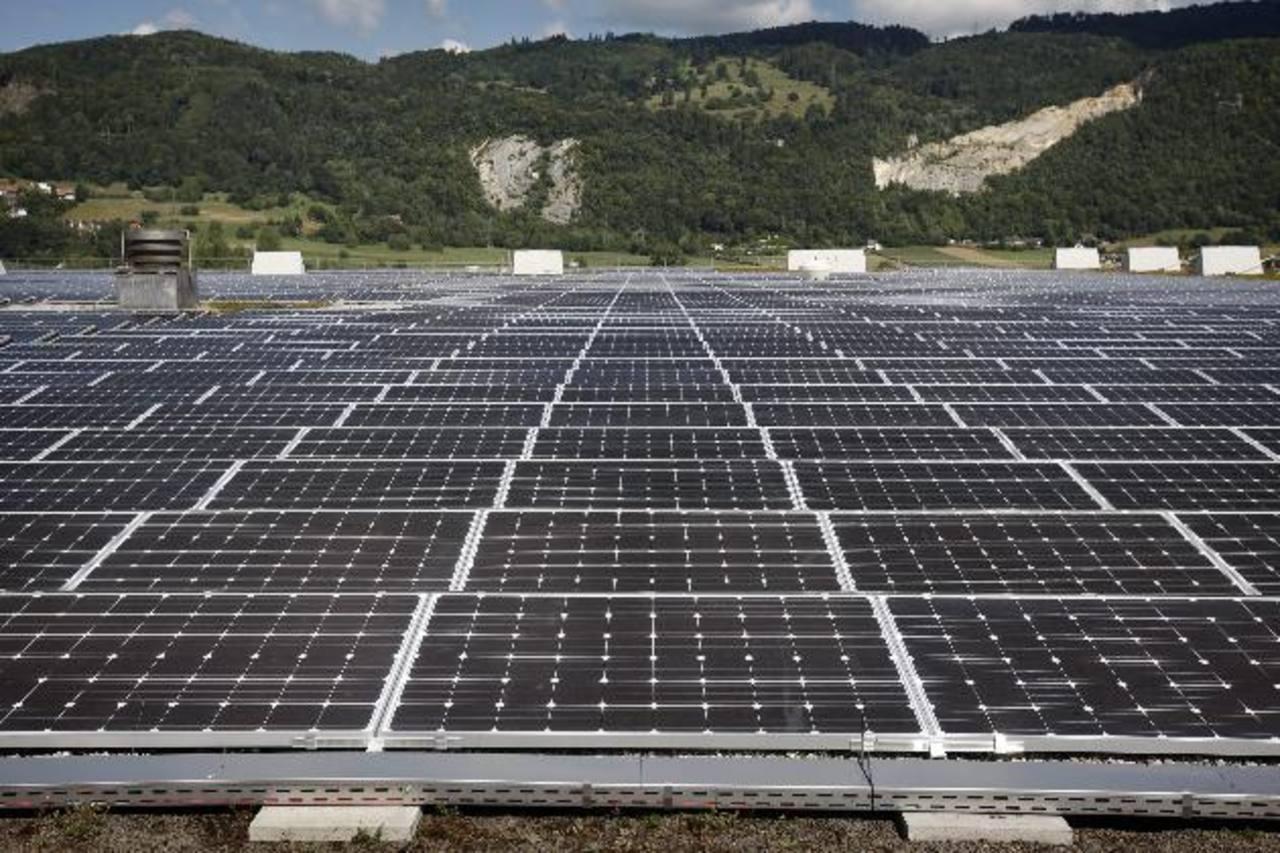 Los 94 MW serán generados con paneles fotovoltaicos y energía solar. Foto EDH / Archivo