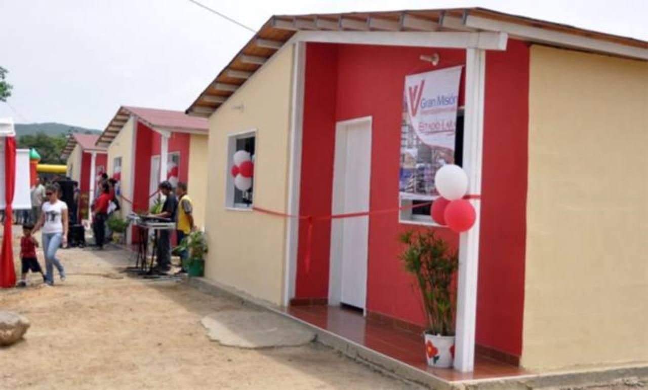La Misión Vivienda Venezuela recibe críticas porque las viviendas las entregan incompletas. foto elimpulso.com